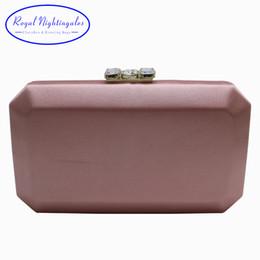 Королевский Соловьи элегантный жесткий коробка сцепления шелковый атлас вечерние сумки для соответствия обувь и женщин розовый / черный / красный / темно-зеленый / фиолетовый supplier elegant womens bag от Поставщики элегантная женская сумка