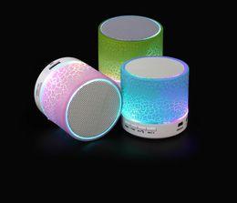 2019 luzes de pé ao ar livre Novo Mini Portátil Textura Crackle Speaker Sem Fio Bluetooth com Suporte de Luz LED Cartão do TF Disk Mobile Phone Player com Caixa de Varejo