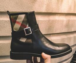 Tubo de botas de mujer online-Botas de invierno de las mujeres Classic Luxury Lambskin marca de moda Sexy cuero genuino simple empalme de tubo corto confort Martin botas