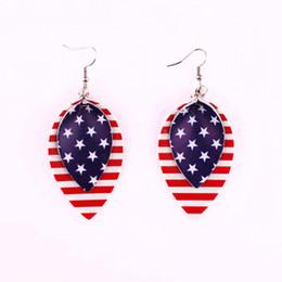 Серьги с голубыми листьями онлайн-Американский флаг PU кожаные серьги красные и белые полосы и синие звезды флаг США листья слеза и круглой формы кожаные серьги заявление
