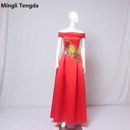 Vestido vermelho vestido de dama de honra on-line-2018 New Red Satin vestido de dama de honra longo Bateau pescoço bordado Praty Fromal vestidos a linha Back Lac-up vestidos de festa de casamento Mingli Tengda