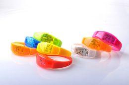 vestiti da filo Sconti Music Activated Sound Control Led Braccialetto lampeggiante Light Up Braccialetto Wristband Club Party Bar Cheer Anello luminoso a mano