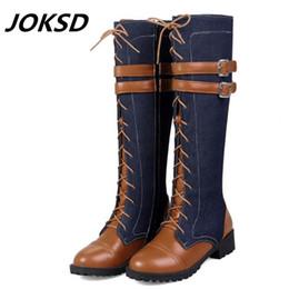 Preços baixos de salto alto on-line-JOKSD preço de Fábrica Mulheres Botas 2018 Low-salto alto outono Inverno Botas de joelho qualidade Alta denim fivela de cinto de moda plus size