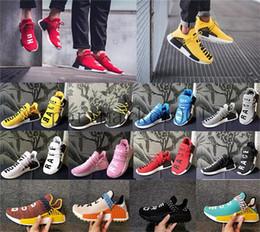 2019 chaussures de travail oxford femme Humain Race Hu trail chaussures de sport 2018 Vente en gros Hommes Femmes Pharrell Williams Jaune noyau d'encre noble Noir Rouge Chaussure de plein air big Euro 36-47