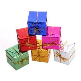 Großhandel heißer Verkauf Weihnachten Mini Geschenk Box Weihnachtsbaum Dekorationen Ornamente Neujahr Dekorationen hängen Ornamente adornos de navidad von Fabrikanten