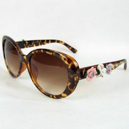 Gafas rosa baratas online-Gafas de sol de flores Marco OVAL Para Mujeres Rosa y Tortuga Gafas Con Logo Barato al por mayor Gafas Tienda Melody2041