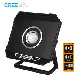 Wholesale portable rechargable battery - EverBrite 800 Lumens LED Floodlight Rechargable Portable Spotlights Waterproof Outdoor Lighting for Camping Emergency