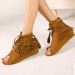 franja de salto alto Desconto Marca europeia sandálias de franjas mulheres dedo aberto cross-amarrado verão sapatos mulher lace up borla sandalias mujer plana calcanhar chinelos