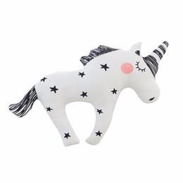 White pillows online-Hot Cute Horse Unicorn Sleep Pillow con Star Print Black White Stripe Lovely Child Kids Juguete de peluche Lumbar Cojín Princess Doll