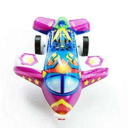 Воздушные игры онлайн-Случайный цвет пластиковый самолет мини милый самолет плесень игрушки мультфильм инерционный самолет игрушки Дети Детские игры игрушки подарки на День Рождения
