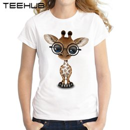 2019 occhiali da giraffa Tee donna 2018 Cute Curious Giraffe indossando occhiali Donna T-shirt Summer Fashion Lady Tops manica corta stampato T Shirt Novità Tee Shirts occhiali da giraffa economici
