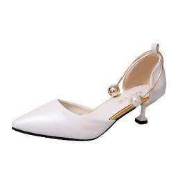 2018 mujer sexy punta estrecha stiletto tacones bajos bombas damas tacón  alto lolita fiesta nupcial vestido de boda zapatos mujeres negro rosa zapatos  de ... 8b0c5fd2942a