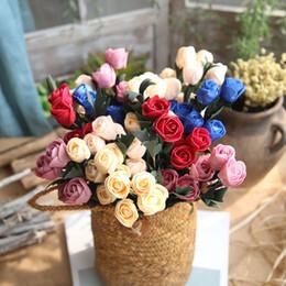 espuma rosa chefes Desconto Mini PE Espuma Tulipas Flor 6 Cabeças Artificial Rose Flores Artesanais DIY Decoração de Casa de Casamento Festivo Fontes Do Partido