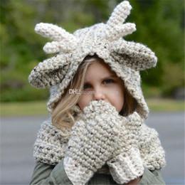 guanti per bambini cappelli sciarpe Sconti Neonati maschi Natale alce  maglieria Berretti + guanti set cartoon d1249d263998