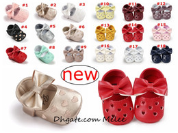 Wholesale Hollow Bow Shoes - INS 19colors choose Baby Moccasins Love Heart Bow Infant Prewalker PU Leather Children hollow out Shoes for Boys Girls Soft Anti-slip Sole