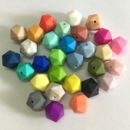 Argentina 19.5mm Icosahedron Bolas sueltas de silicona BPA libre 100% de grado alimenticio No tóxico Icosahedron Bolas Mamá DIY Dentición Bebé Masticables Suministro