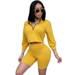 Polyester-golf-shorts online-Sexy 2 Stück Set Frauen Kleidung Crop Tops Bequeme Shorts Anzüge Sommer Herbst Outfits Zwei Stück Passende Sets Lässige Trainingsanzug Heißer Verkauf