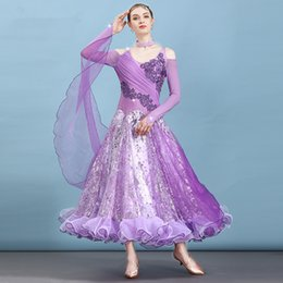 Ropa de vestir púrpura de las mujeres online-Nueva púrpura Ballroom Dance Dress Mujeres Waltz Competition Standard Dance Dress Señora Flamenco Costumes Modern Clothing