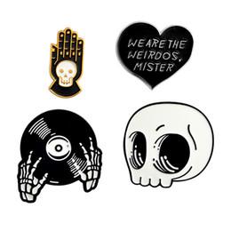 Рок-брошь онлайн-Zinc alloy punk hip hop heart hand CD skull brooches brooch for men unisex fashion jewelry skeleton skeleton rock brooch #274109