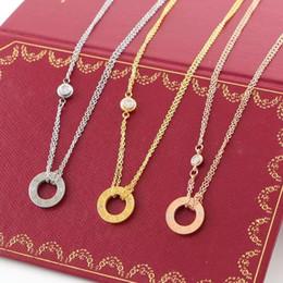 plaques de nom d'or en gros Promotion LOVE cercle collier avec CZ diamant pendentif en or rose couleur argent collier pour les femmes Vintage collier bijoux de costume avec boîte d'origine