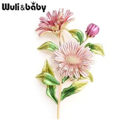 baby brooch flower Promo Codes - Wuli&baby Pink Daisy Bouquet Enamel Brooches Metal Flowers Weddings Banquet Brooch Pins For Women And Men