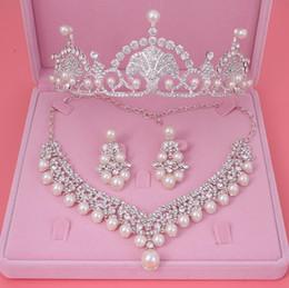 Mode Argent Ivoire Perle De Mariée Couronne Diadèmes Ras Du Cou Colliers Boucles D'oreilles Tiara Strass Cristal Perle Parures De Bijoux De Mariage ? partir de fabricateur