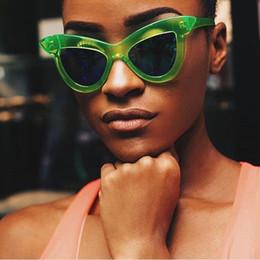 e050ee75ef 2019 vasos anchos Nuevo estilo Mujeres gafas de sol Cat eye Wide Frame  Diseñador de la