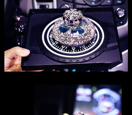 Ornamenti di corona di cristallo online-Car Ornament Fashion Luxury Crystal Diamond Crown Seggiolino Auto Profumo Profumo Deodorante per auto Contenitore Decorazione d'interni