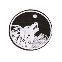 7 см вышивка патч Волк рев черный белый шить железо на патчи панк вышитые значки для мешок джинсы шляпа футболка DIY аппликации украшения от Поставщики черная шляпа