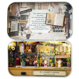 2019 große plastikpuppen Neue Kreative Glückliche Ecke 3D Holz DIY Handgefertigte Box Theater Puppenhaus Miniatur Box Nette Mini Puppenhaus Montieren Kits Geschenk Spielzeug