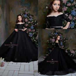 Cinturon de flores para vestido negro