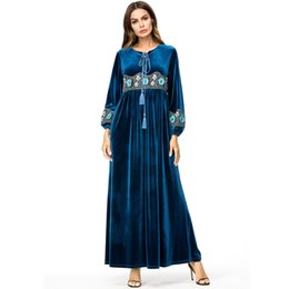 Argentina Vestido de los Emiratos Árabes Unidos Kaftan Abaya Dubai terciopelo árabe bordado Hijab musulmán vestido de mujer túnica Musulmane Longue turco islámico ropa cheap xl muslim woman clothes Suministro