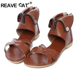 Элегантные бежевые туфли онлайн-REAVE CAT Big Size 33-43  New Rome Women sandals Sexy Elegant Fashion Sequined Cover Heel Beige Black Brown White shoes Zip