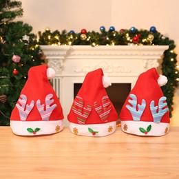 decorações vermelhas em prata de mesa de natal Desconto 50 pcs Chapéu De Natal De Pelúcia Vermelho Chapéu Da Festa de Natal Chapéu De Papai Noel Enfeites De Natal Para Adulto Kid Com Saco OPP PCH1