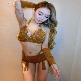 Женщины в секси нарядах — 11