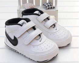 Moda de cuero de la PU Mocasines para bebés Zapatos de bebé recién nacido para niños Zapatillas de deporte Infantil Cuna Zapatos para niños pequeños Niñas Primeros Caminantes desde fabricantes