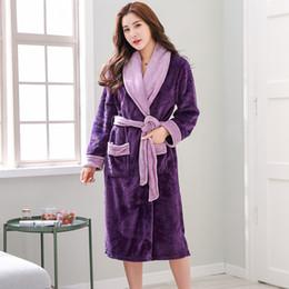 2019 mais tamanho pijamas de cetim roupas de dormir Kimono Robe De Cetim Plus Size 4XL 5XL 6XL Quente Mulheres Roupão De Inverno De Flanela Robe Engrossar Mulheres Pijamas Pijamas 100kg Pode Usar mais tamanho pijamas de cetim roupas de dormir barato