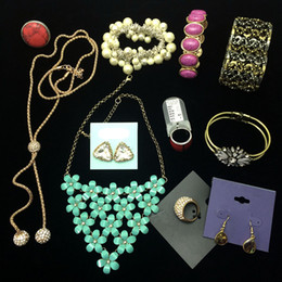 Wholesale Titanium Gold Alloy Ring - Wholesale 100~150 pieces mixed jewelry of pendant necklaces earrings finger rings for women European style packed in box cheap