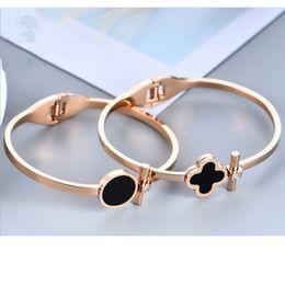 Bracelet trèfle diamant en Ligne-Titane Acier Bracelet Diamant Trèfle Noir Pour Femme Diamant Rond Bracelet Or Rose Bracelet De Mode Européen Et Américain Diamant Bracelet