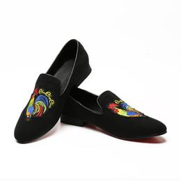 Loafer stilvolle beiläufige schuhe online-2018 neue Ankunft Britischen Stil Männer Schwarz Freizeitschuhe Stilvolle Gestickte Hahn Loafer Schuhe Mann Schuhe