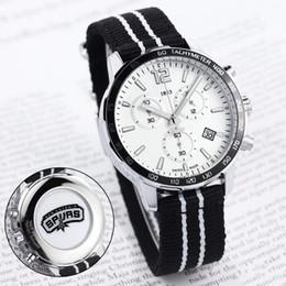 Canada HOT hommes conception de montres de sport pour les fans de l'équipe de basket-ball toutes les montres de travail de travail montres à quartz date 1853 bracelet bracelet supplier fans work Offre