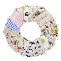 Kleine sackleinen geschenk taschen online-Druck Drawstring Pouch Sack kleine Sackleinen Jute Hochzeit Gunsten Geschenktüte Event Party Supplies Großhandel