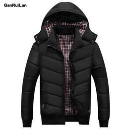 chaqueta térmica de moda para hombre Rebajas 2018 New Winter Men's Jacket Coats Casual Parkas Slim Warm Thick Abrigos con capucha Abrigo Masculino Moda Chaquetas Térmicas JK18049