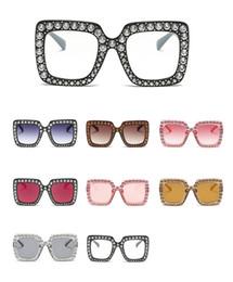 159683bbeacf2 New Big diamante Sun Glasses Quadrado colorido Shades Mulheres Oversized  Óculos De Sol Retro Top Strass Tendência De Cristal tendência de óculos  grandes ...