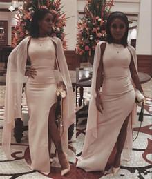 Billig plus größe abayas online-Sexy Caped Plus Size Günstige Abendkleider Yousef Aljasmi Side Split 2018 Schwarz Mädchen Arabisch Abayas Formale Partei Prom Kleider Günstige