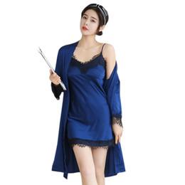 Nova primavera outono elegante das mulheres de seda sólida lace cetim 3  peça sleep suit 3 pcs conjuntos de pijama sleepwear mulheres salão de  pijama à venda ... 2b7d2c66f