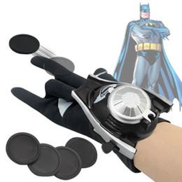 Figuras de desenhos animados de batman on-line-Homem de Ferro 5 Estilos de pvc 24cm Batman Luva do boneco de acção Spiderman Lançador de brinquedo Crianças Adequado Homem Aranha Cosplay figuras de brinquedo dos desenhos animados