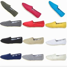 female lazy shoes Promo Codes - Spring and Autumn 17 colors Leisure Canvas Shoes Female Pedal Lazy Shoes Shallow Mouth Breathable Cloth shoes T3I0309