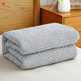 2020 colchas azuis claras Têxtil de casa lavada gaze de algodão cobertor cinza claro grade cobertores de toalha azul jogar tampa de cama colcha Primavera Verão 150 * 200 cm desconto colchas azuis claras