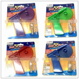 Wholesale novelty xmas - Fly Swatter Gun Boys Fun Shooting Toy Xmas Gift Insect Bug Pest Killer Spring Loaded Shot Shooter Novelty Games CCA10109 120pcs